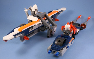 70348 Nexo Lance Twin Jouster - Play feature disconnect the vehicles | by koffiemoc