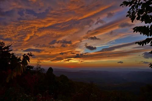 nature zeiss sunrise t za hdr blueridgeparkway dt1680 cloudsstormssunsetssunrises variosonnartdt35451680