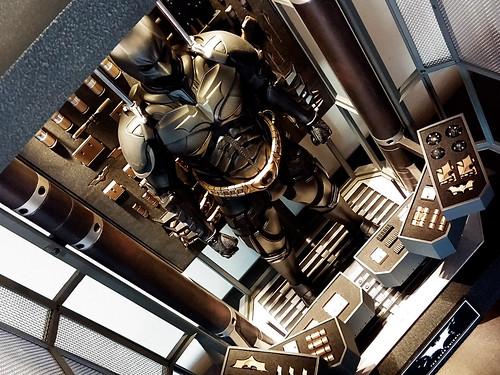 1/6 Hot Toys - The Dark Knight Armory