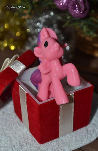 Pink Unicorn   by caroline_pride