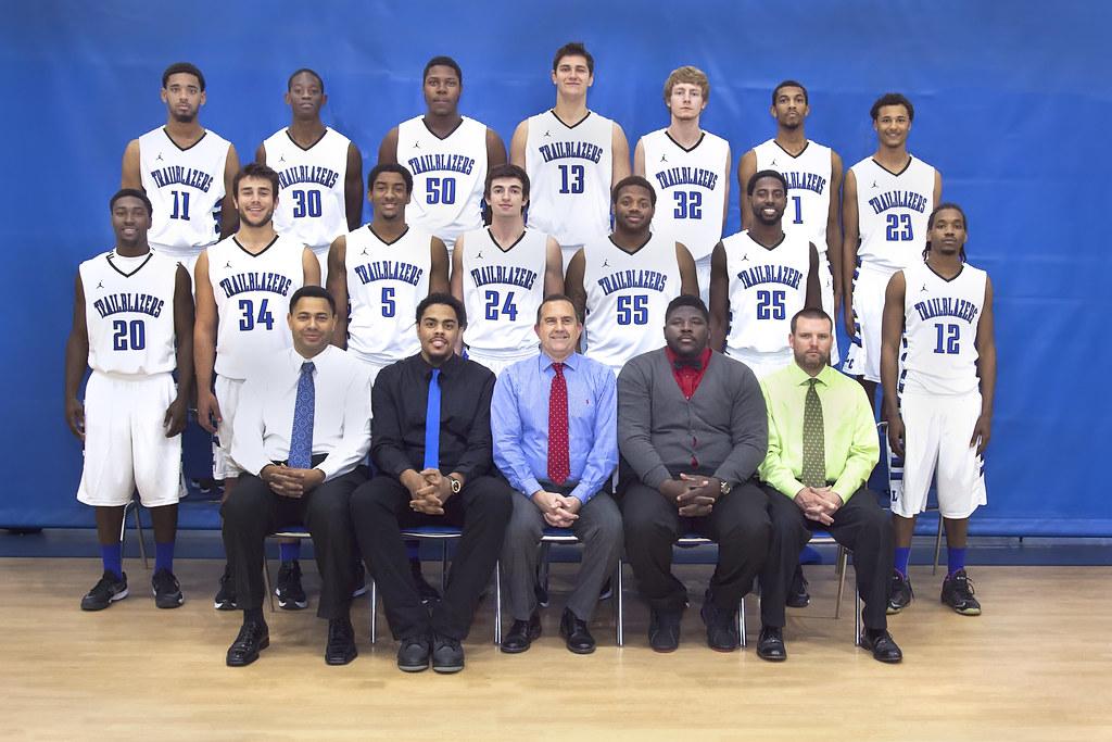 puc mens basketball team - 1024×683