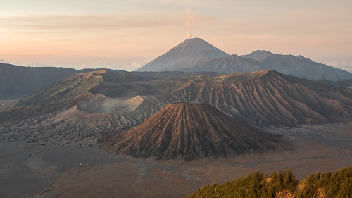 sunrise indonesia java bromo semeru batok bromotenggersemerunationalpark tenggersandsea lautpasirtengger