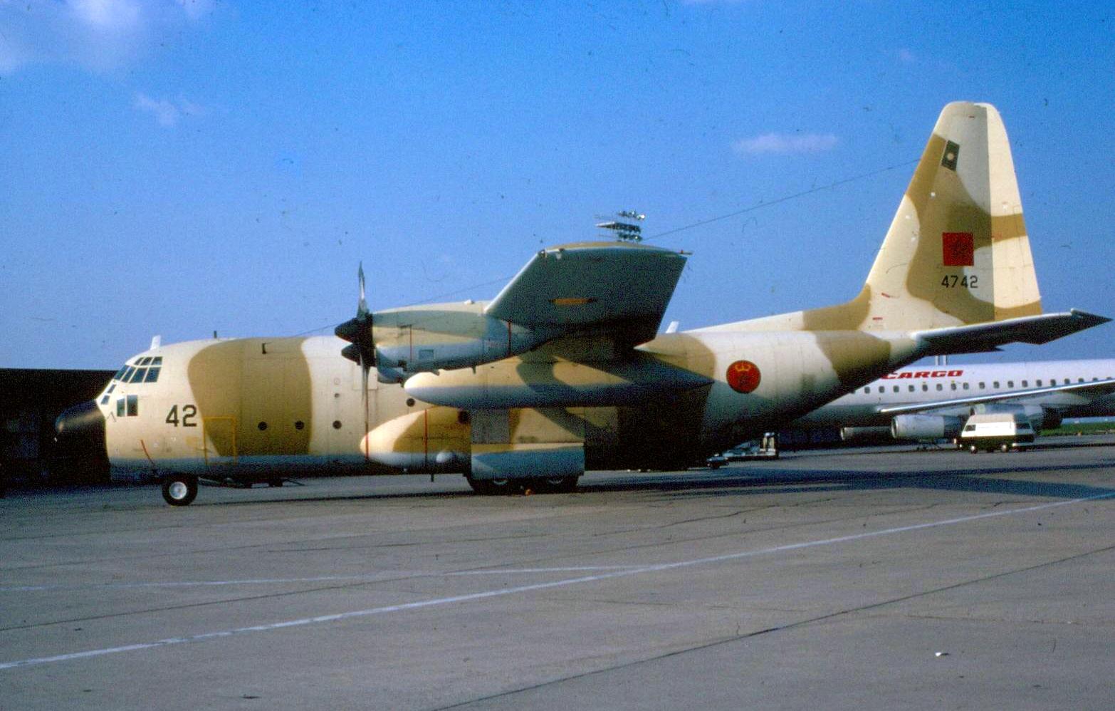 FRA: Photos d'avions de transport - Page 38 30973323460_2922ae5a6a_o
