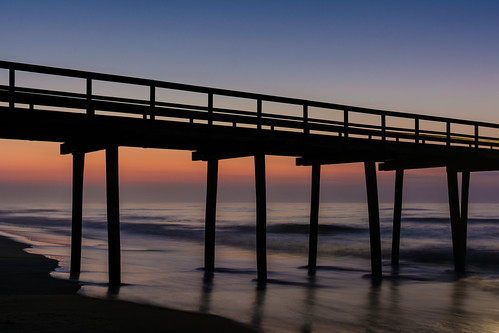 beachsunrise beach sunrise dawn ocean fishingpier newjersey jerseyshore avalonnj