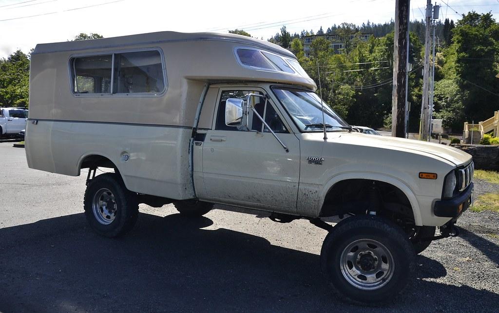 1983 Toyota Diesel 4WD Chinook camper | Custom_Cab | Flickr