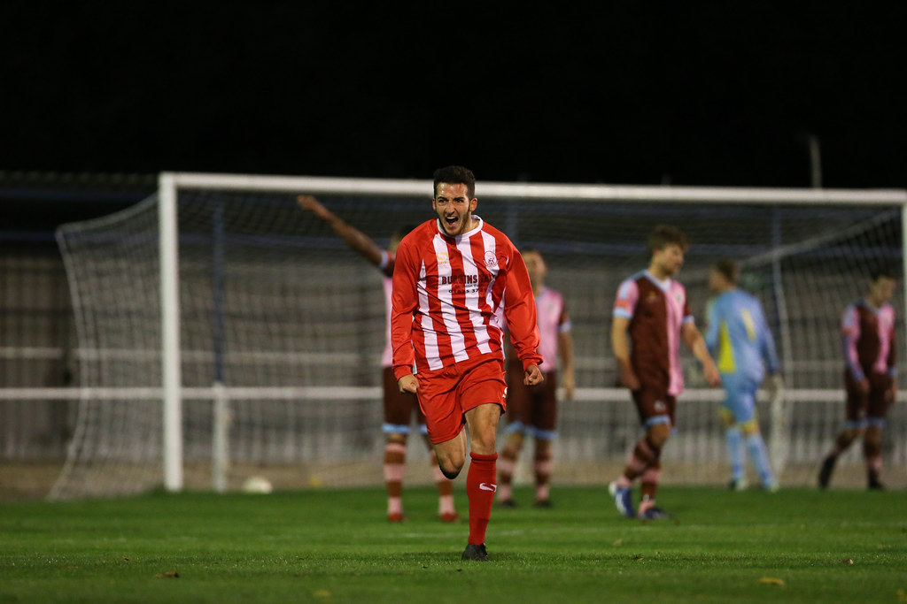 Corinthian-Casuals 1 Leighton Town 3 FA Trophy Preliminary Round Replay