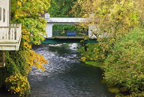 bridge autumn fall colors oregon creek canon silver lens ian foot eos is crossing silverton mark pedestrian images ii 5d usm sane the ef70200mm f28l 5chicos5chicas