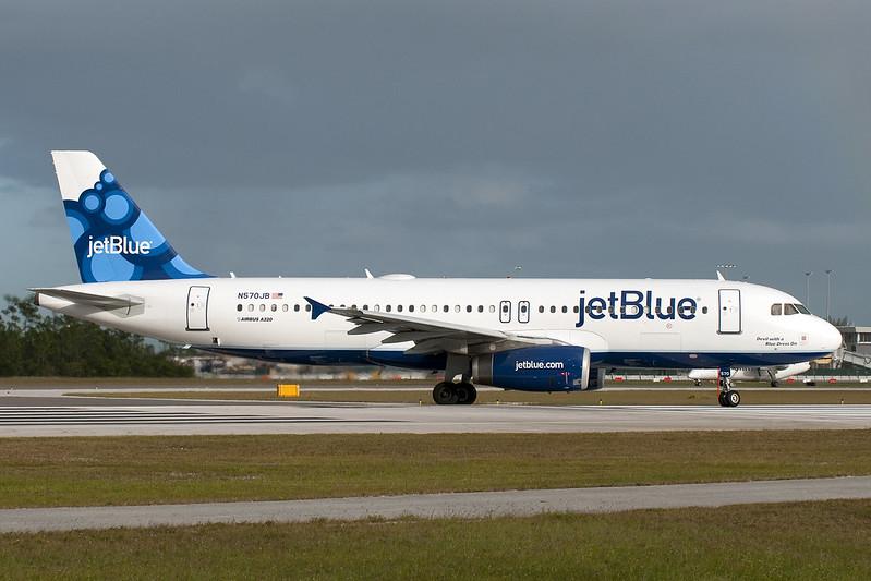Jet Blue_A320_N570JB__NAS_20101112_Ground_sun_0013188_Colormailer_Flickr