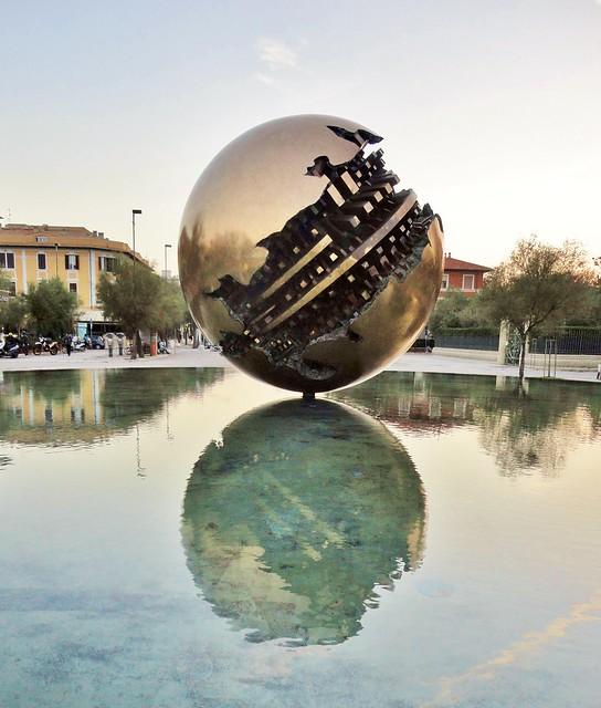 Pesaro - Lungomare - Arnaldo Pomodoro's sculpture