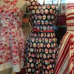 It's a @monniecakes and @rahest dress!