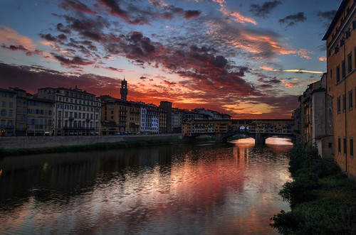 bridge italy sunrise river dawn florence nikon italia alba firenze arno hdr cloudscape pontevecchio pattanaik fattal qtpfsgui mantiuk06 reinhard05 d5100