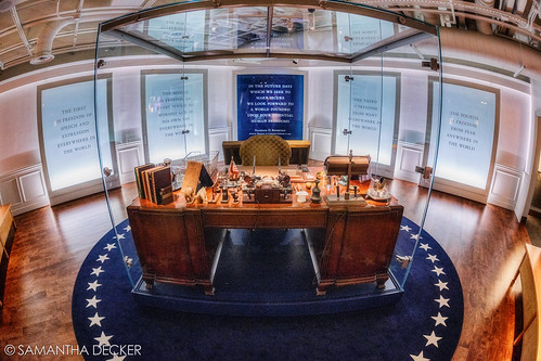 ny newyork unitedstates desk president upstate hydepark zenit fdr presidentiallibrary canonef50mmf14usm franklindelanoroosevelt zenitargroup canoneos6d samanthadecker zenitarmc16mmf28fisheye adobephotoshopcs6