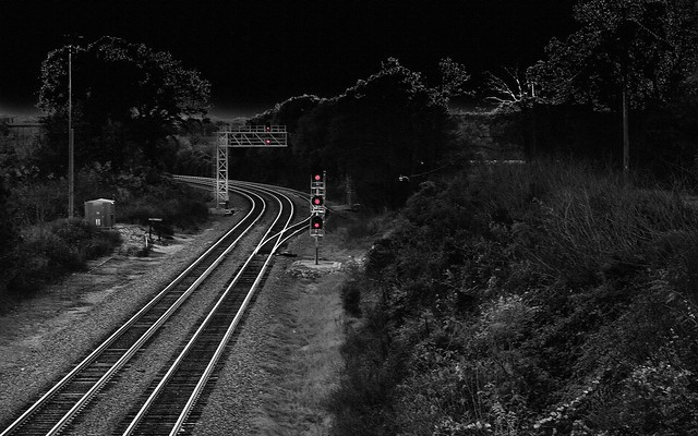 TRACKS_A7_Voil-bw-red_20161119_0690