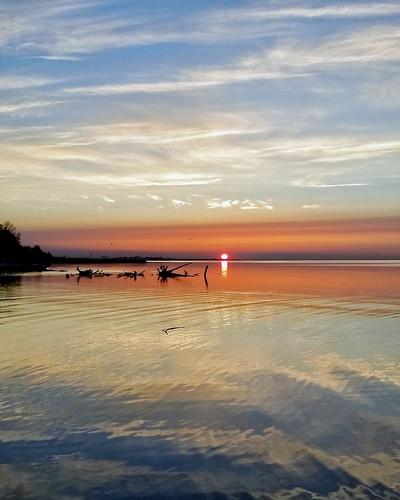 reflection beauty scarborough toronto ontario canada lakeontario tranquility