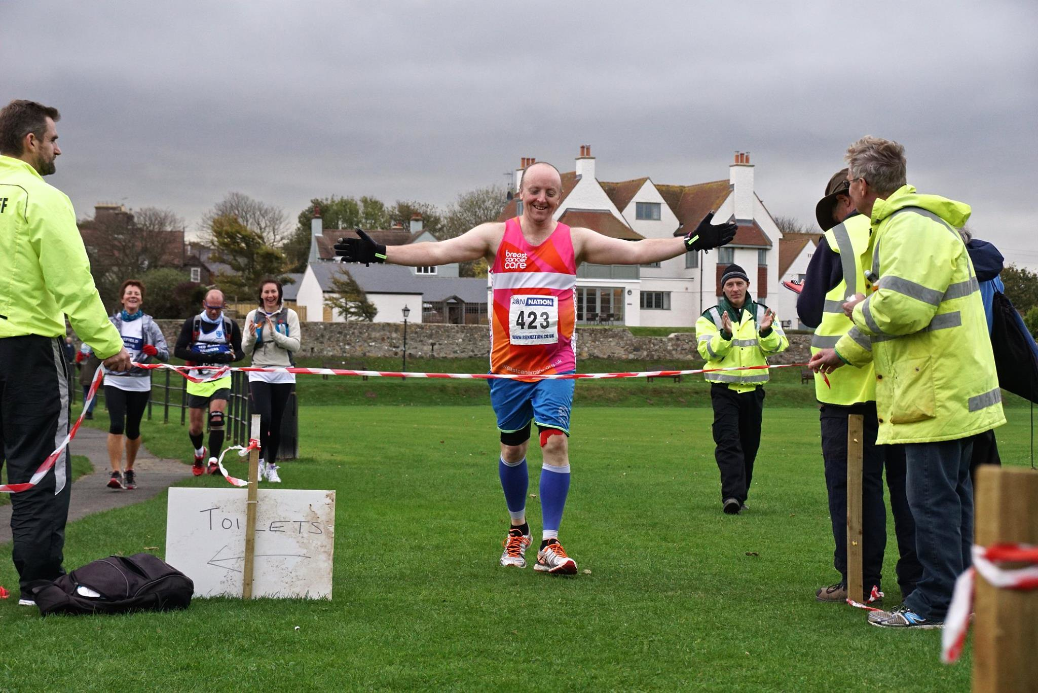 Run Dave Run - Finish line Bamburgh 26.10.14