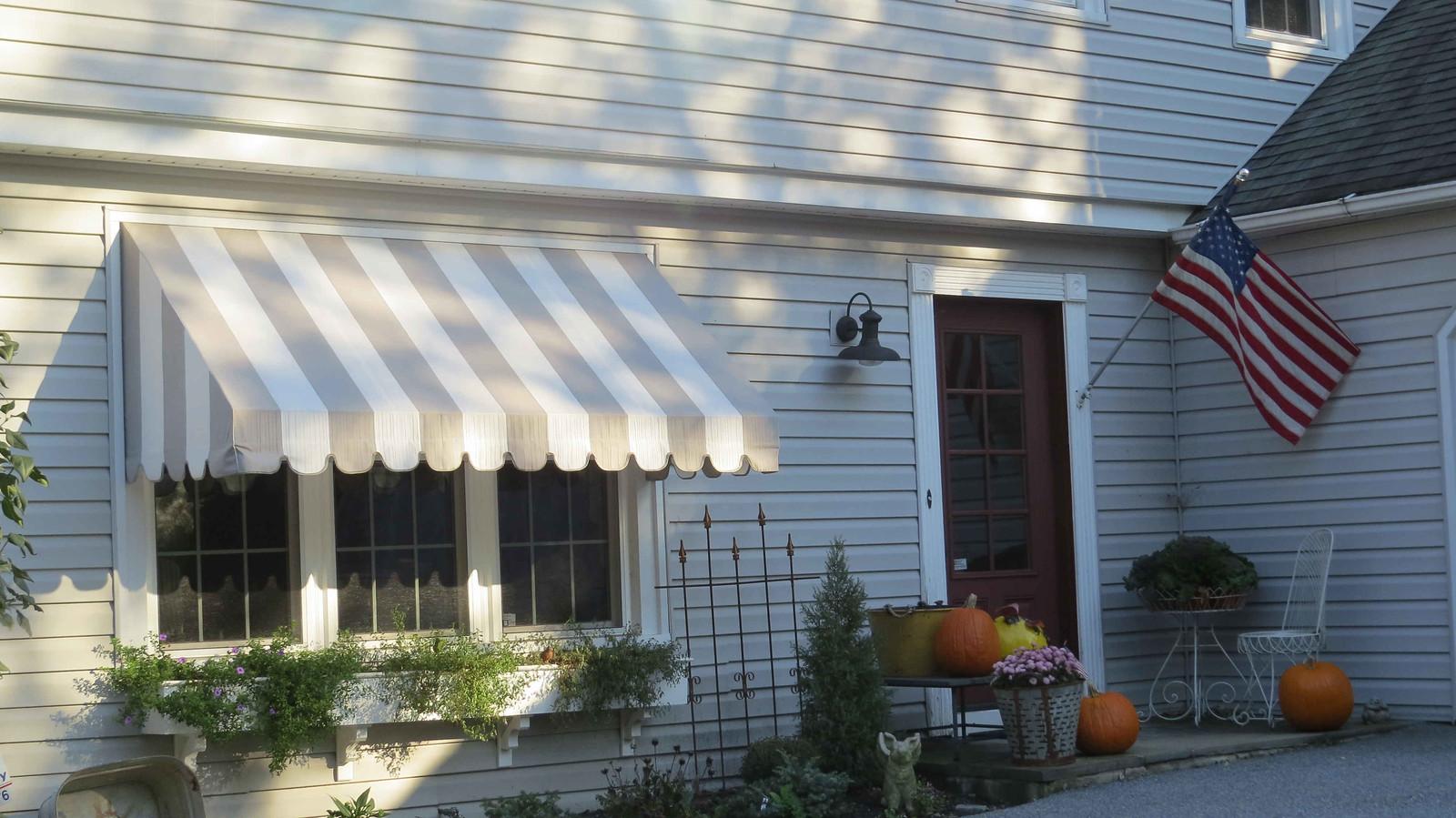Fabric Bay Window Hoffman Awning