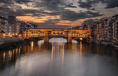 bridge italy sunrise river dawn florence nikon italia alba fiume ponte aurora firenze bluehour arno hdr pontevecchio pattanaik fattal qtpfsgui mantiuk06 reinhard05 d5100