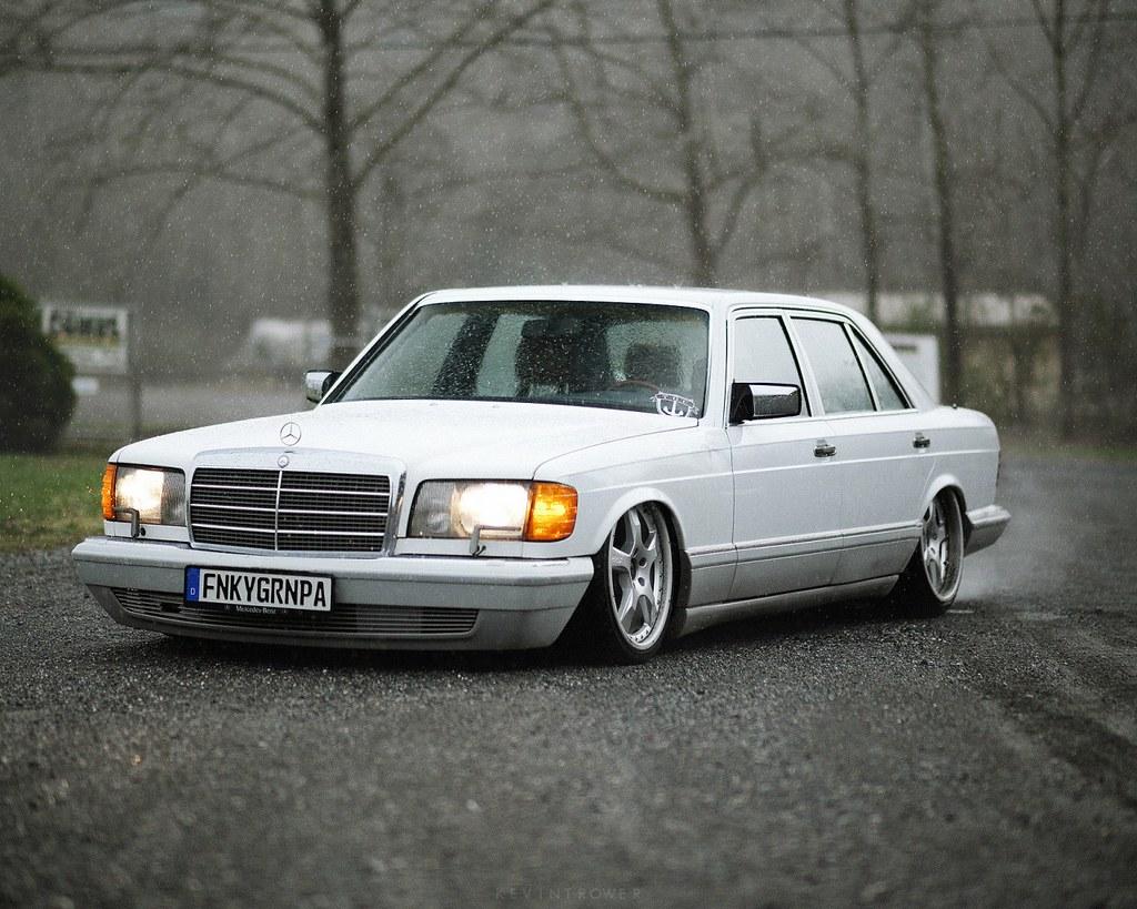 W126 Stance