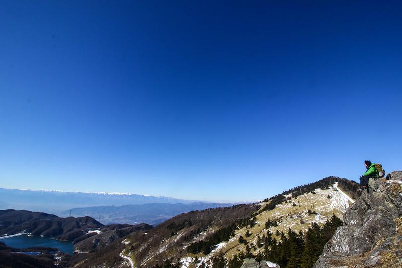 大菩薩嶺から小金沢山へ