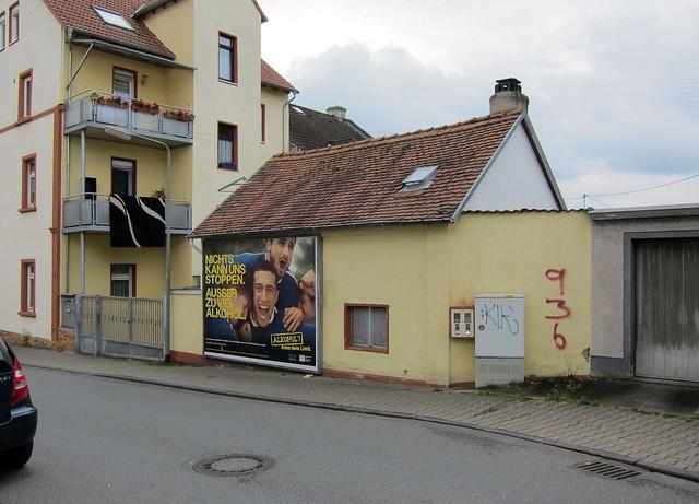 Grenzwertig / Where Carpets Go to Roost
