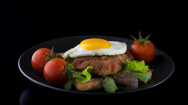 escalope with mirror egg on fried toast