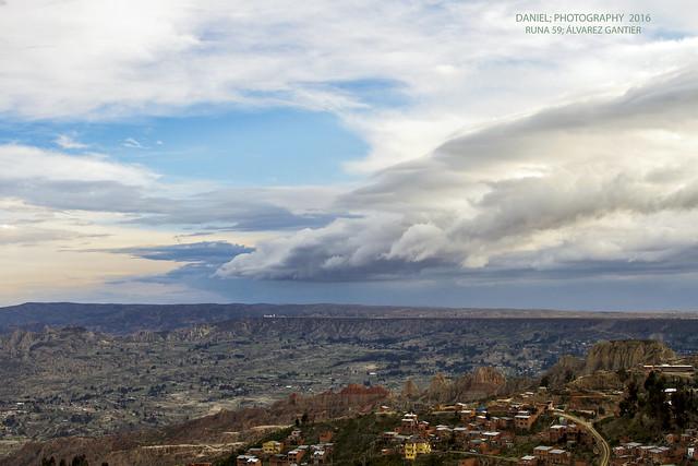 Nubes sobre el altiplano y la hoyada