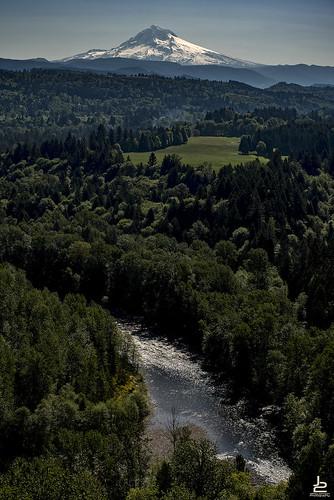 mount mt hood volcano oregon scenic view overlook river sandy jonsrud viewpoint