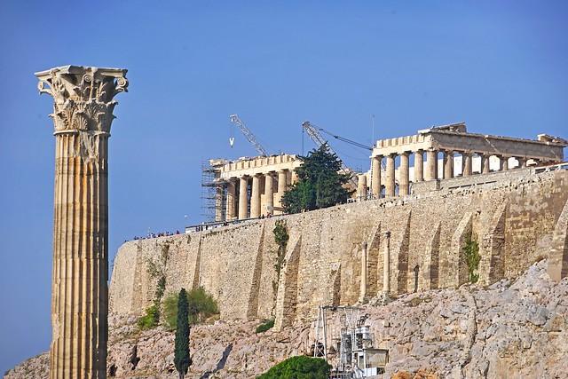 La face sud de l'Acropole d'Athènes