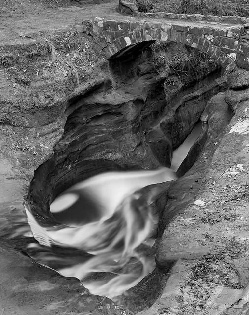 Devil's Bathtub, Old Man's Cave