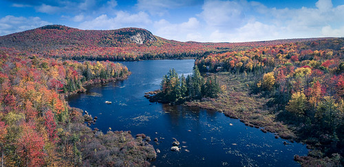 autumn landscape water mountains mountmarshfield aerial fall orange red pond drone dji vermont phantom4 fallcolors foliage turtlehead groton marshfield unitedstates us
