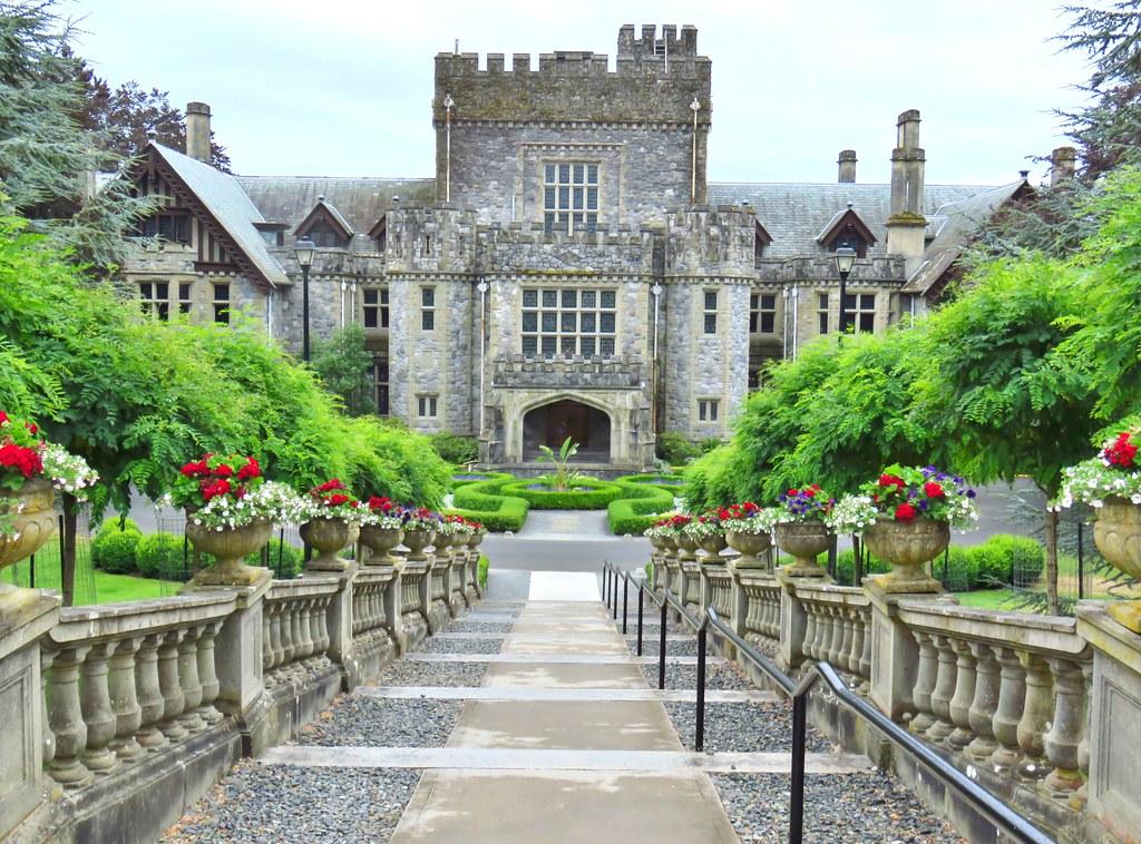 Hatley Castle Royal Roads University Colwood Bc Flickr
