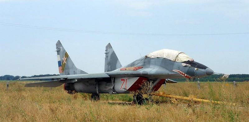 МиГ-29УБ точка опоры 1