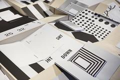 Reconstructing the printed book - Geoffrey Brusatto 20.06.2015 - 11.10.2015  Met de tentoonstelling 'Ways of Folding' brengt Z33 de eerste publieke presentatie van het artistiek doctoraatsonderzoek van grafisch vormgever Geoffrey Brusatto, dat plaatvindt aan UHasselt, Faculteit Architectuur en kunst. Het doctoraatsproject is gesitueerd binnen PXL-MAD-research, in samenwerking met UHasselt en KULeuven. Z33 wil als huis voor actuele kunst een laboratorium en een ontmoetingsplaats zijn voor experiment en innovatie. Het tonen en ondersteunen van onderzoek in de kunsten is hierbinnen een interessante case study.  Geoffrey Brusatto (1979) studeerde grafische vormgeving aan de Provinciale Hogeschool Hasselt. Daarna werkte hij als grafisch vormgever voor diverse culturele instellingen, waaronder Z33, en startte hij het grafisch bureau BRUSATTO. Hij is als docent verbonden aan de PXL-MAD in Hasselt, en aan KASK School of Arts Gent. Deelnemende kunstenaars: Lieven De Boeck (BE), Thomas Desmet (BE), architecten de vylder vinck taillieu (BE), Bert Hornikx (BE), Tom Lambeens (BE), Jelle Martens (BE), Julie Peeters (BE), Karen Vermeren (BE)