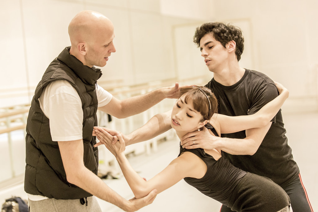 Wayne McGregor, Akane Takada and Federico Bonelli in rehearsal for Tetractys, The Royal Ballet ? ROH/Johan Persson, 2014