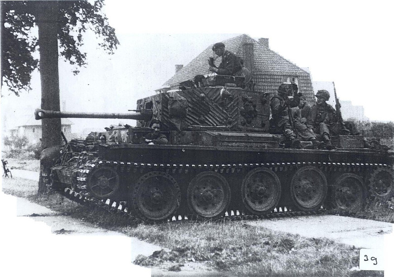 Cromwell with rubber strips glued onto its turret