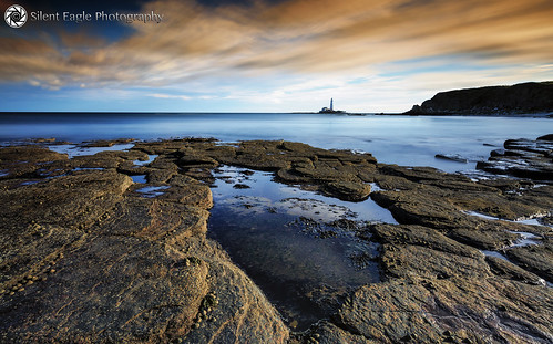 sep silent eagle photography canon canoneos5dmarkiii seascape northeast northumberland rocks sky clouds sea lighthouse lighthousestmarysisland silenteagle09 shadows reflection plants long exposure north east silenteaglephotography copyright© 45seconds ep0018