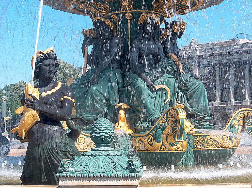 Paris Place Concorde Fontaines 07