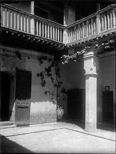 Casa del Greco en Toledo hacia 1920. Fotografía de Enrique Guinea Maquíbar © Archivo Municipal de Vitoria-Gasteiz