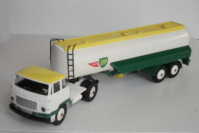 Dinky Toys 887 Unic semi remorque Air BP