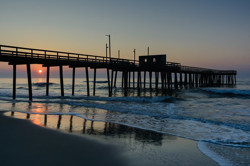 beachsunrise beach sunrise dawn fishingpier newjersey jerseyshore avalonnj
