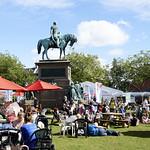 Charlotte Square Gardens | Enjoying sunshine in the Book Festival gardens © Helen Jones
