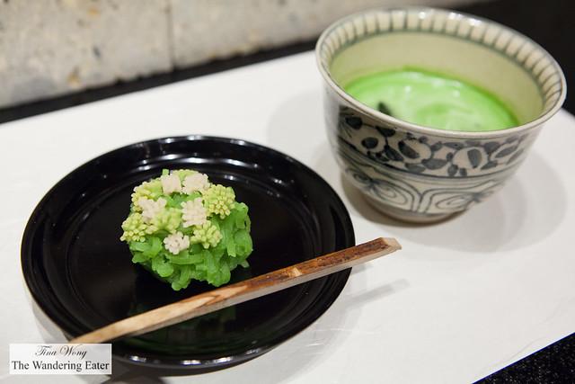 The moss and grass shaped namagashi with iced matcha tea