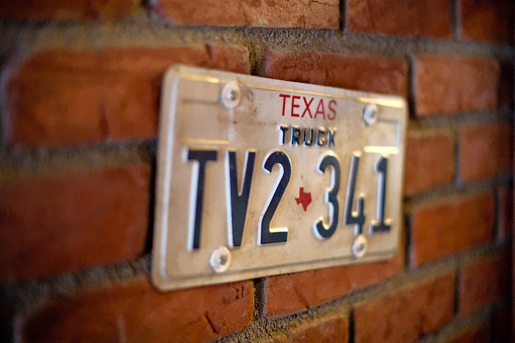 Texas License Plate At Ramone S House Of Body Art Texas Li Flickr