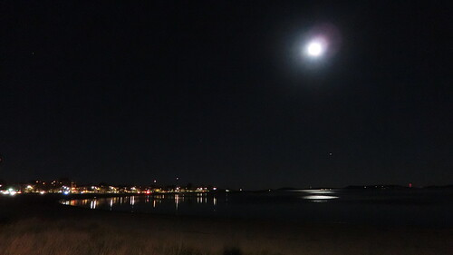 brooksbos boston brooks bay zr1500 exzr1500 zr1300 casio evening geotagged light landscape lights moon fullmoon massachusetts newengland night reflections reflection skyline sky water beach carsonbeach southboston lunar supermoon