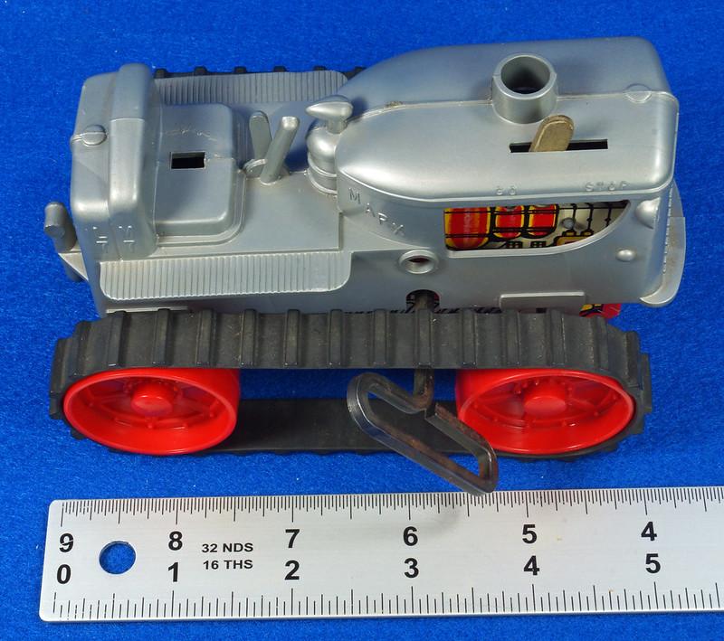 RD9481 Vintage Marx Toy Diesel Tractor Wind Up DSC06255