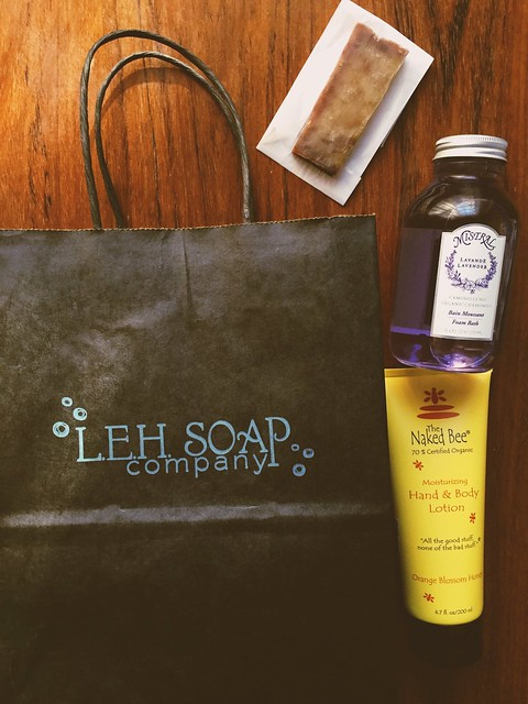Love these soaps from LEH Soap Company which I got while we were visiting the historic Smithville in NewJersey! Aside from its scenery and kids&family rides,Smithville has a lot of nice specialty shops from food products to beauty products that ud love!