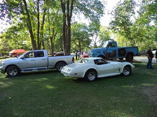 2010-2012 Ram 1500 hauling old buddy Dodge Photo