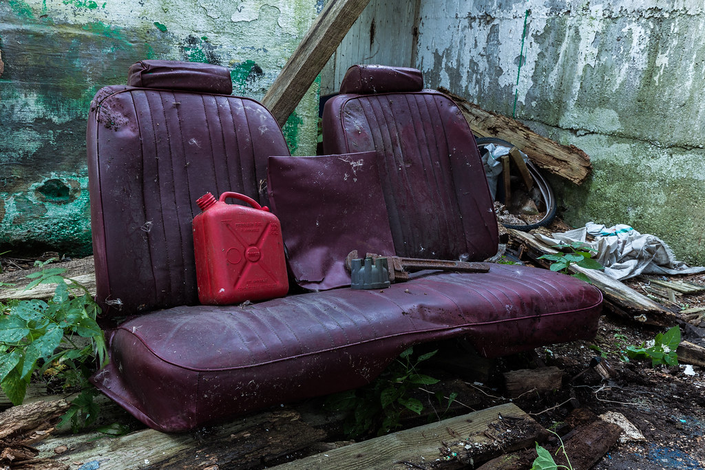 Abandon Car Bench