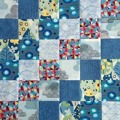 I have no business starting a new quilt when I have 5 others in various stages of completion (one only needs binding), but today I had a need to make this #scrappytripalong block in blues. As you do 😝.