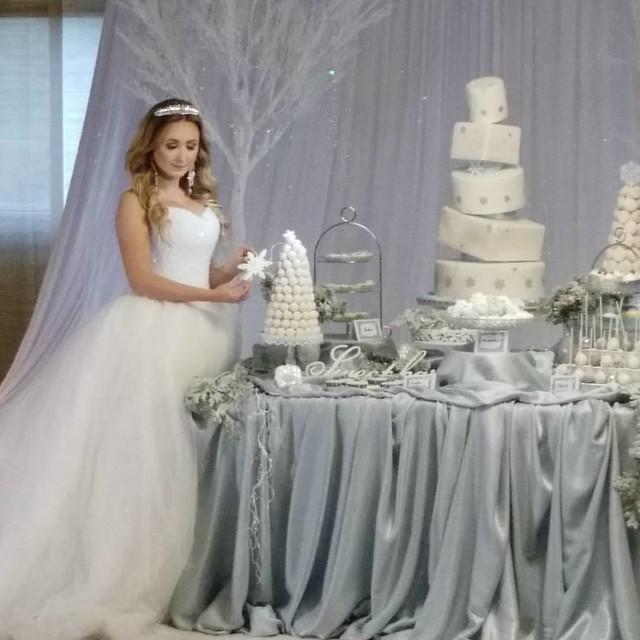 #HZFTreff2016 #weddingcake #hochzeitsfotograf #hochzeit #hochzeitstorte #sweettable #wintermärchen #märchenhochzeit